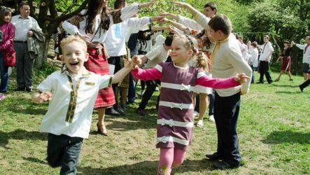 Гаївки: як зустрічали весну в Україні