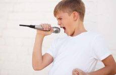 Мутація голосу: що це та як безпечно займатися вокалом
