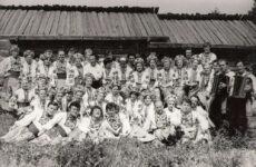 До 50-річчя Прибузького народного хору: становлення й самобутність колективу, винятковість керівника, спогади-привітання учасників